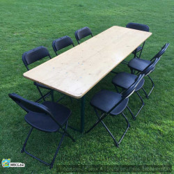 chaise autour de  la table