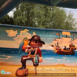 """Un chouette décor de pirate pour le château gonflable """"combo pirate"""""""